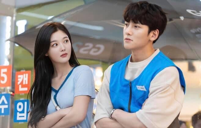 Hôn nhau ngay tập đầu, phim của Ji Chang Wook và Kim Yoo Jung nhận đủ gạch đá - ảnh 4