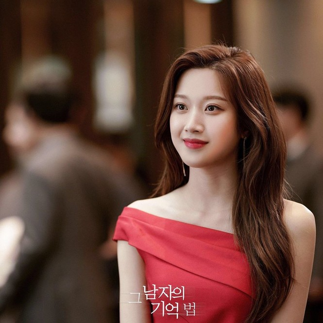 """Không phải một idol đình đám, cô gái này mới là nữ chính cho """"True Beauty"""" - ảnh 4"""
