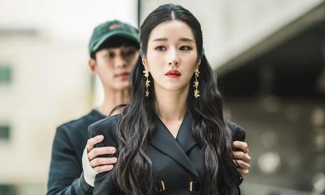 """Một câu thoại của Seo Ye Ji trong """"Điên thì có sao"""" bị fan K-Pop tố đạo nhái  - ảnh 3"""