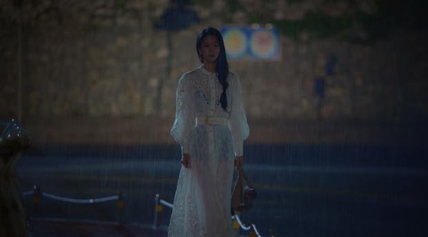 Sành điệu là thế nhưng Seo Ye Ji (Điên thì có sao) mắc lỗi chọn sai đồ chíp - ảnh 4