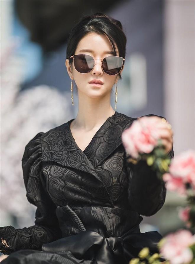 Sành điệu là thế nhưng Seo Ye Ji (Điên thì có sao) mắc lỗi chọn sai đồ chíp - ảnh 6