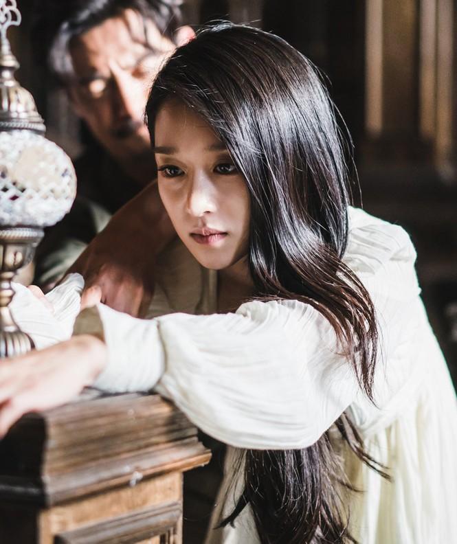 """Xinh đẹp như thế, cớ sao Seo Ye Ji chưa để mặt mộc trên phim """"Điên thì có sao""""? - ảnh 6"""