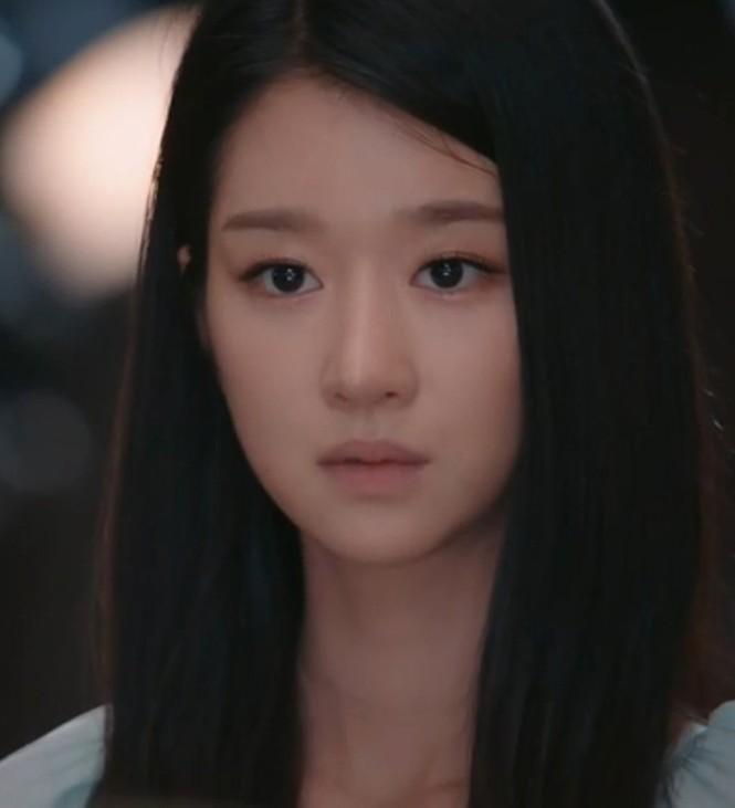 """Xinh đẹp như thế, cớ sao Seo Ye Ji chưa để mặt mộc trên phim """"Điên thì có sao""""? - ảnh 8"""
