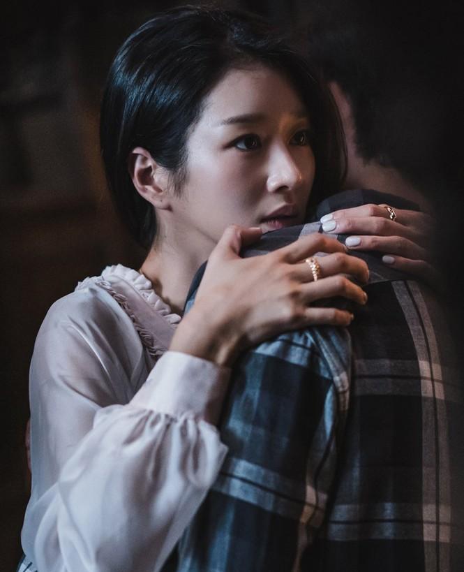 """Xinh đẹp như thế, cớ sao Seo Ye Ji chưa để mặt mộc trên phim """"Điên thì có sao""""? - ảnh 5"""