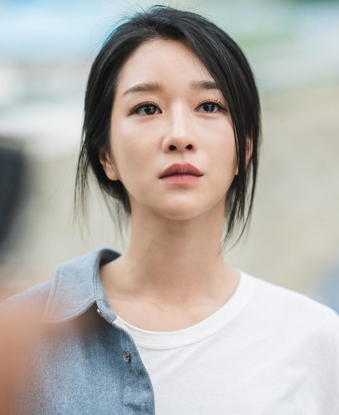 """Xinh đẹp như thế, cớ sao Seo Ye Ji chưa để mặt mộc trên phim """"Điên thì có sao""""? - ảnh 4"""