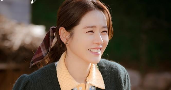 """Xinh đẹp như thế, cớ sao Seo Ye Ji chưa để mặt mộc trên phim """"Điên thì có sao""""? - ảnh 1"""