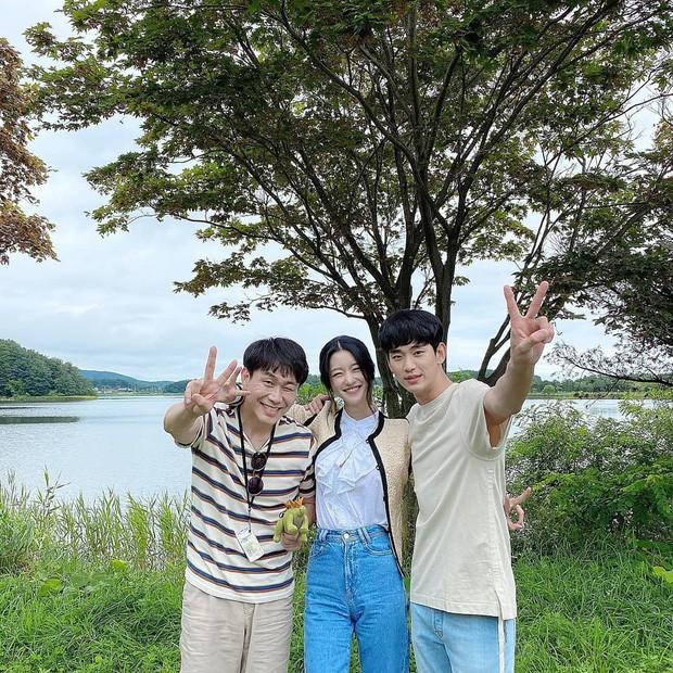 """Bên cạnh """"vòng eo nhỏ siêu thực"""", Seo Ye Ji còn sở hữu cực phẩm khác trong mắt người Hàn - ảnh 3"""