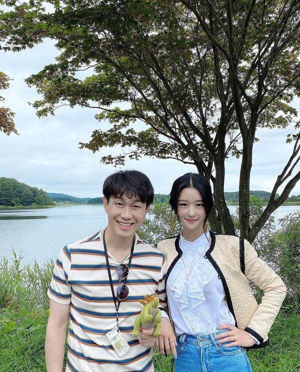 """Bên cạnh """"vòng eo nhỏ siêu thực"""", Seo Ye Ji còn sở hữu cực phẩm khác trong mắt người Hàn - ảnh 4"""