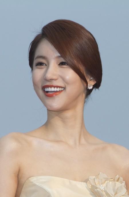 Oh In Hye, mỹ nhân hở bạo tại LHP Busan 2011 bất tỉnh tại nhà riêng, nghi do tự tử - ảnh 1