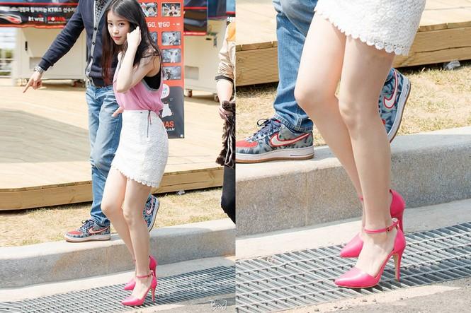 """Đến """"thánh đi giày cao gót"""" Hương Giang, Ngọc Trinh cũng phải chịu thua IU vì điều này - ảnh 4"""