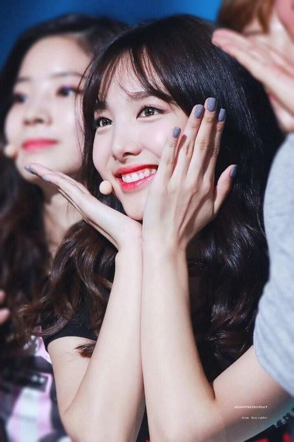 Nayeon (TWICE) debut đã lâu nhưng giờ fan mới biết cô sở hữu kỷ lục ngoại hình này - ảnh 2