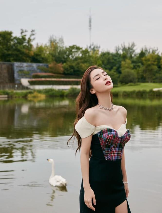 Ngạc nhiên chưa, hai nàng thơ Jisoo và Angela Baby của Dior đụng hàng đồ của hãng khác - ảnh 6