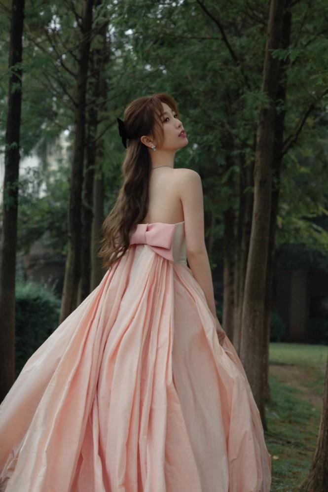 Ngất ngây với dàn mỹ nhân C-Biz ở giải Kim Ưng: Ai cũng lộng lẫy như công chúa - ảnh 10