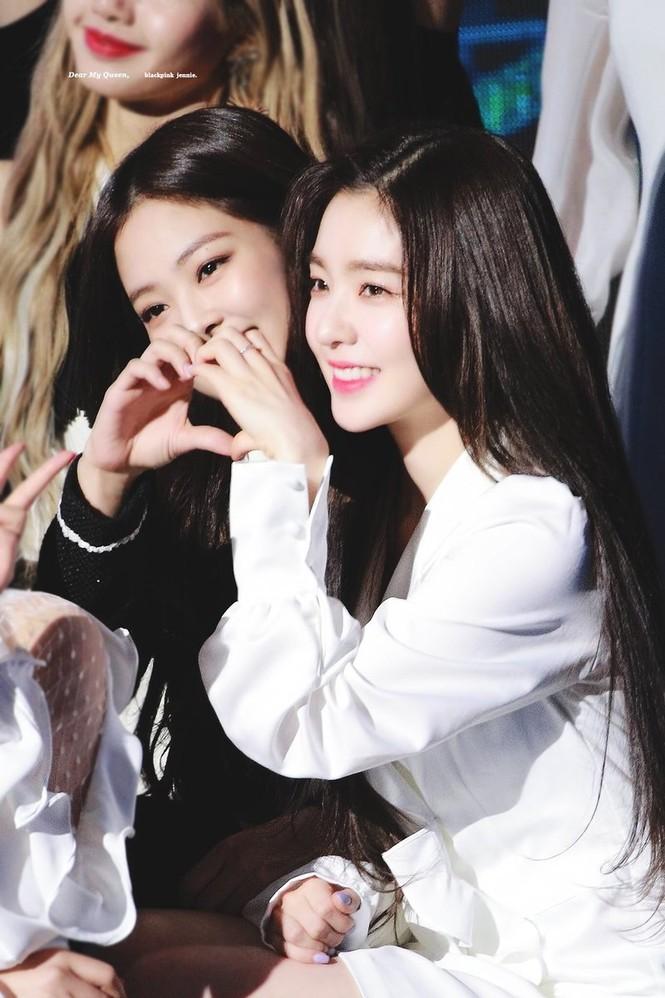 Giữa bê bối thái độ của Irene, fan đào lại sự thật phũ phàng về tình bạn Irene - Jennie - ảnh 2