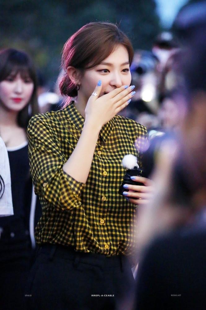 Đâu chỉ riêng Jennie, hóa ra Seulgi (Red Velvet) cũng gia nhập hội nữ idol không thích đeo trang sức - ảnh 4