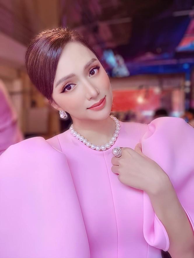 Anti-fan tiếp tục phản đối ào ạt, Hương Giang bước đầu đã thừa nhận mình hành động vội vàng - ảnh 1