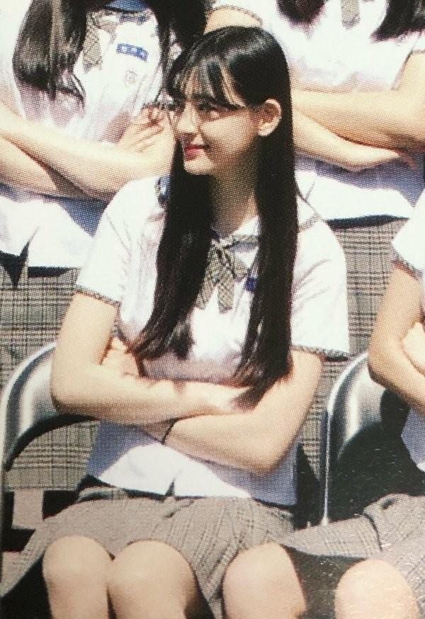 """Ngắm ngay loạt ảnh """"tình đầu thơ ngây"""" của Seeun (STAYC) để biết vì sao K-net xao xuyến đến vậy - ảnh 7"""