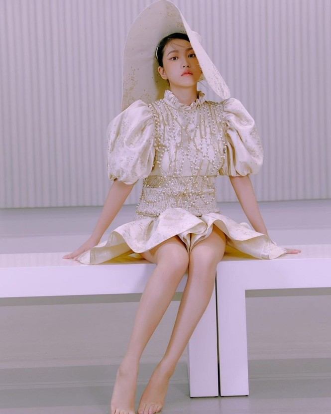 """Nhờ bộ ảnh mới quá đẹp mà Yeri (Red Velvet) được netizen """"quay xe"""" khen ngợi - ảnh 2"""