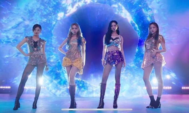Điểm trừ cho stylist của aespa: Vừa giống BLACKPINK, vừa bê nguyên sai lầm của Red Velvet - ảnh 1