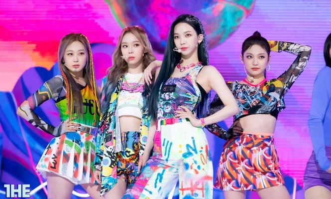 Netizen phát hiện một điểm khiến sân khấu debut của aespa khác hẳn các nhóm nữ SM Ent - ảnh 1