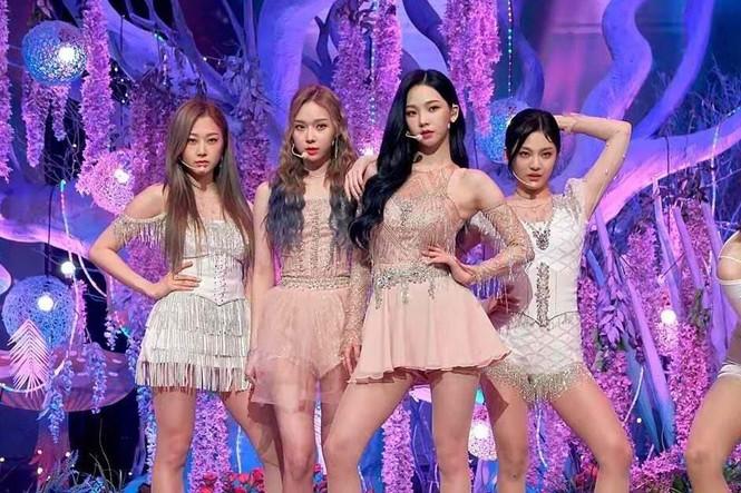 Thêm một lý do khiến netizen công nhận Karina (aespa) là nữ thần sắc đẹp mới của K-Pop - ảnh 1