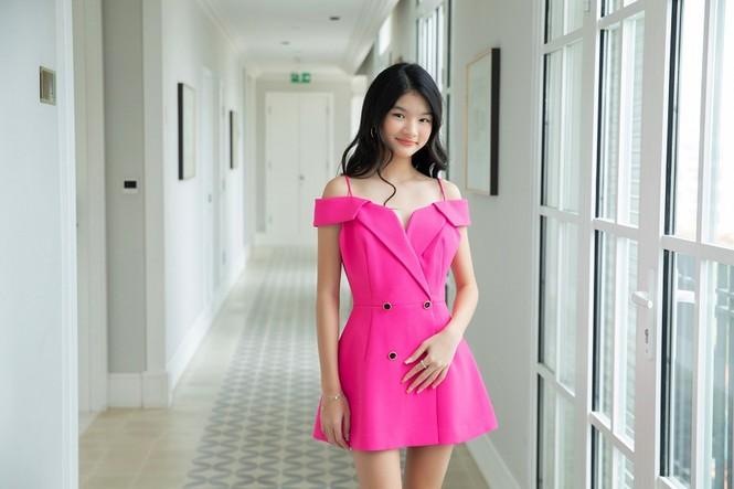 """12 tuổi đã xinh đẹp xuất sắc, con gái Trương Ngọc Ánh đúng là """"Hoa hậu tương lai"""" - ảnh 3"""