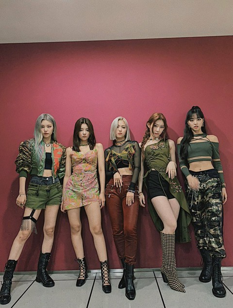 Mang tiếng idol công ty lớn mà ITZY còn ít quần áo hơn cả người thường là sao? - ảnh 3