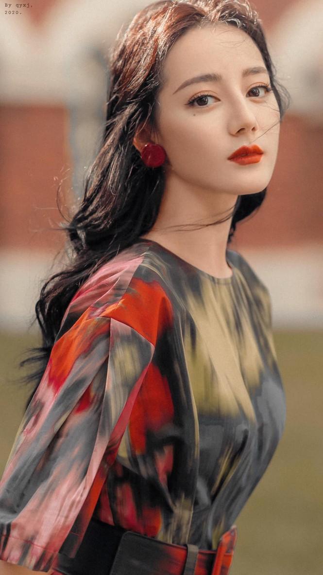Xinh đẹp như Địch Lệ Nhiệt Ba mà cũng thành nạn nhân của việc chọn nhầm kiểu tóc - ảnh 2