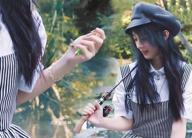 """Cùng là """"nàng thơ Dior"""" nhưng Triệu Lệ Dĩnh và Jisoo (BLACKPINK) lại hiếm khi đụng hàng - ảnh 2"""