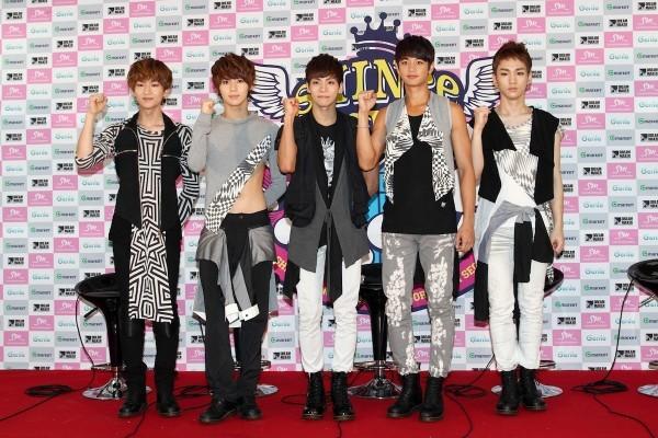 SM Ent có thù oán gì với thảm đỏ mà nhất định phải cho idol nhà mình mặc siêu xấu? - ảnh 7