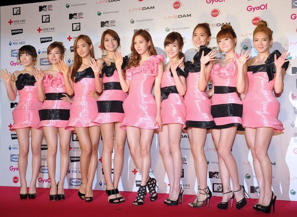 SM Ent có thù oán gì với thảm đỏ mà nhất định phải cho idol nhà mình mặc siêu xấu? - ảnh 6