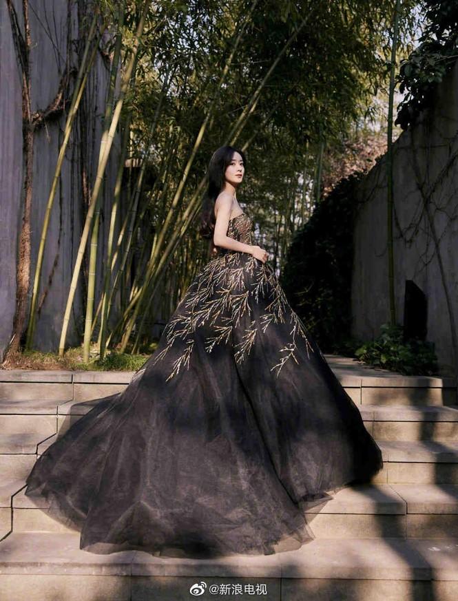 Sao nữ C-Biz đọ váy tại Tinh Quang Đại Thưởng: Ai cũng như tiên nữ giáng trần - ảnh 3