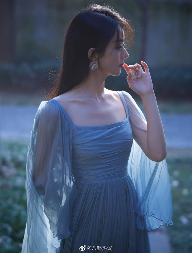 Sao nữ C-Biz đọ váy tại Tinh Quang Đại Thưởng: Ai cũng như tiên nữ giáng trần - ảnh 2