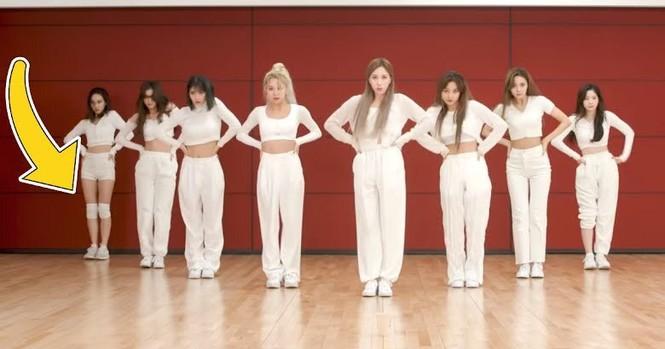 Nayeon (TWICE) năm lần bảy lượt mặc một mình một kiểu, do muốn chơi trội hay gì? - ảnh 6