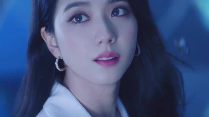 BLACKPINK tung quảng cáo mới, netizen cho rằng Jisoo mất ngôi visual vì lý do này - ảnh 3