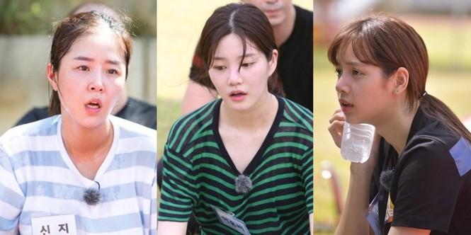 """Nhìn lại Lisa (BLACKPINK) trong """"Sao Nhập Ngũ"""" bản Hàn: Mặt mộc xinh xỉu, sức khỏe vô biên - ảnh 3"""