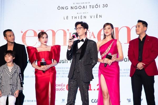 Hoa hậu Đỗ Thị Hà chọn lựa trang phục khéo thế nào mà được netizen khen tấm tắc? - ảnh 1