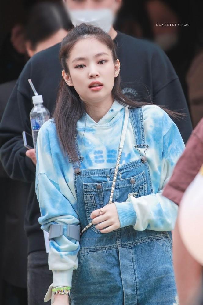 Vì đâu netizen nghi ngờ Jennie (BLACKPINK) bí mật sở hữu thương hiệu thời trang riêng? - ảnh 3