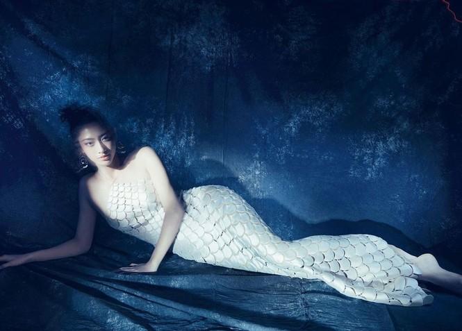 Mặc cùng bộ váy tiên cá, Hoa hậu Đỗ Thị Hà hay Lương Thùy Linh khác biệt ra sao? - ảnh 5