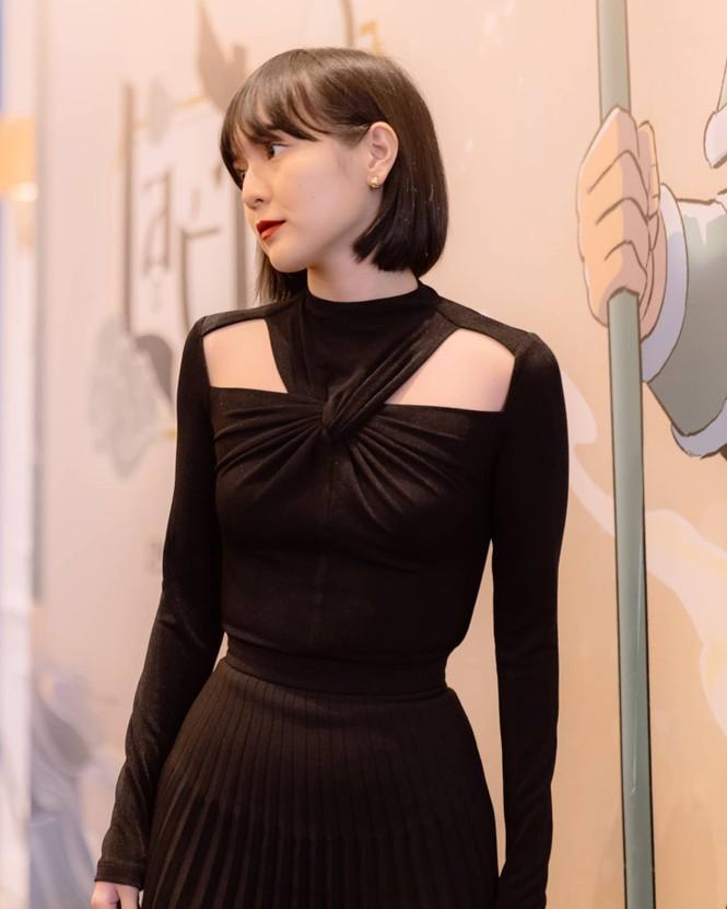 Nhìn ba người đẹp V-Biz đụng hàng bộ váy đen mới thấy quá mảnh mai chưa chắc đã đẹp - ảnh 2