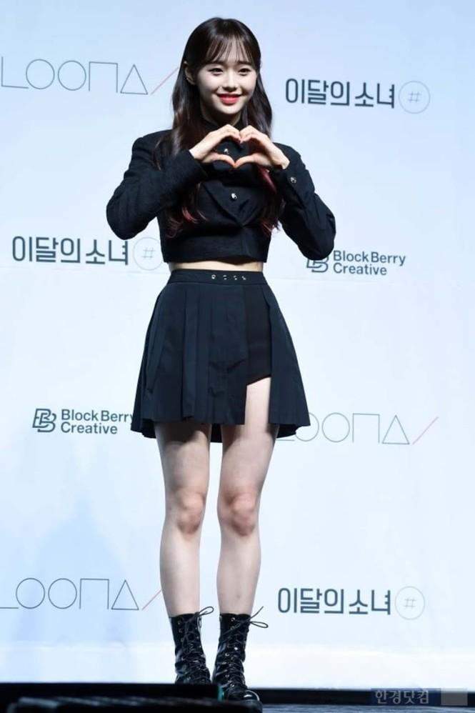 """Muốn biết tỷ lệ cơ thể quan trọng cỡ nào, hãy nhìn các nữ idol """"tưởng cao hóa thấp"""" này  - ảnh 1"""