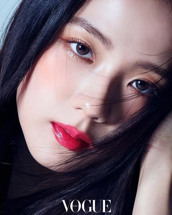 """Nhìn lại """"lục đại tạp chí"""" mà Jisoo đã mở khóa thành công: Ngày càng lên hương nhan sắc - ảnh 5"""