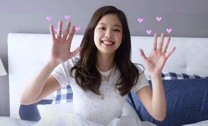 Netizen giật mình khi bóc giá giường ngủ của Jennie: Giàu vậy ai chơi lại! - ảnh 8