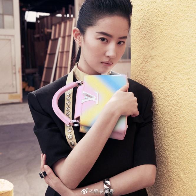 Lưu Diệc Phi bất ngờ trở thành nàng thơ của Louis Vuitton nhưng bị chê nhiều hơn khen - ảnh 3