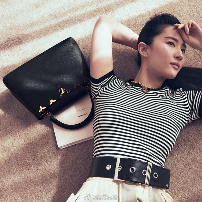 Lưu Diệc Phi bất ngờ trở thành nàng thơ của Louis Vuitton nhưng bị chê nhiều hơn khen - ảnh 4