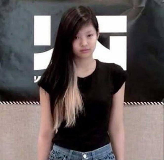 Nhìn lại 7749 kiểu tóc của Jennie: Ngay cả kiểu kỳ quặc nhất cũng vẫn thấy xinh - ảnh 1