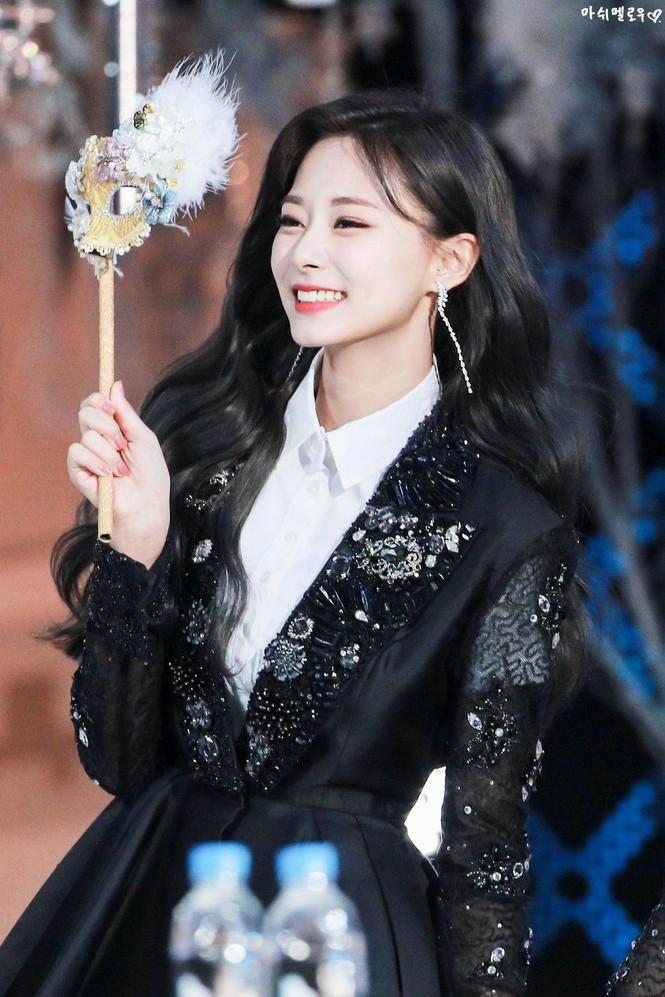 Chính giới idol bình chọn ra cô gái xinh đẹp nhất K-Pop: Số 2 và số 4 siêu bất ngờ - ảnh 11