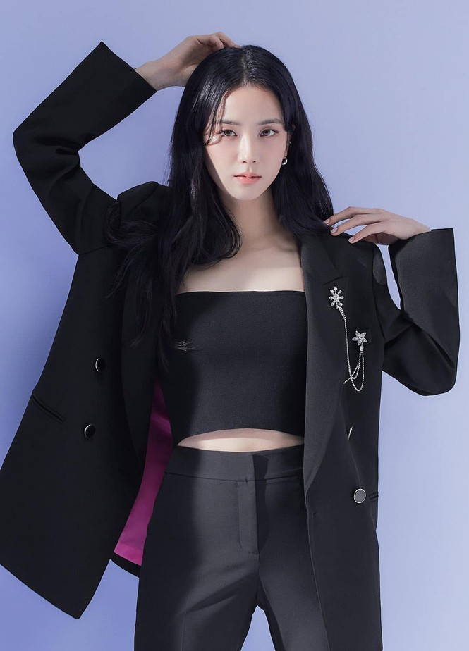 Jisoo (BLACKPINK) liệu có tụt hạng khi chỉ là đại sứ cho thương hiệu thời trang nội địa? - ảnh 3