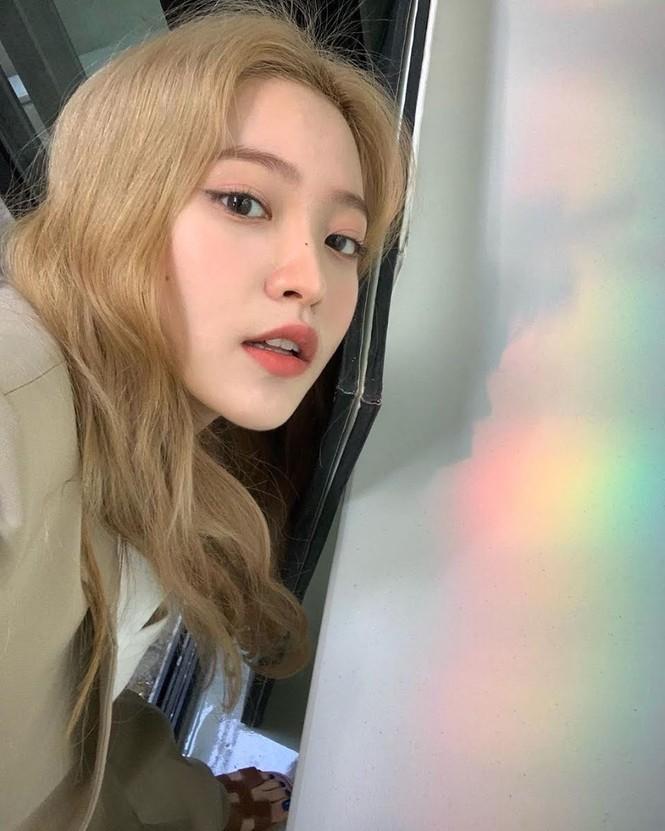 Nhìn Yeri (Red Velvet) trả lời câu hỏi siêu khó từ fan, netizen đều khâm phục EQ của idol K-Pop - ảnh 1