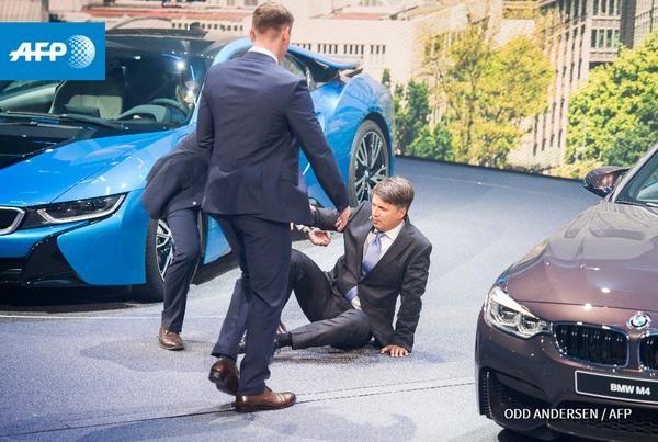 CEO BMW bỗng dưng ngất xỉu khi đang họp báo - ảnh 2